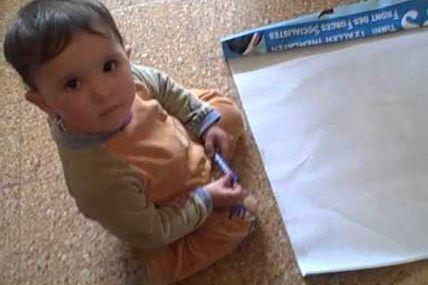 préparation Banderoles pour le  Meeting du CNCD-Barakat   le 25.03.2011 au siege SNAPAP.wmv