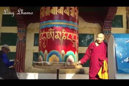 Let's walk around the main temple in Dharamsala