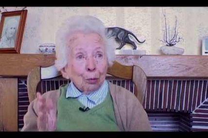 Jeanne Rousseau / L'eau, la médiatrice/ 2009 (film entier)