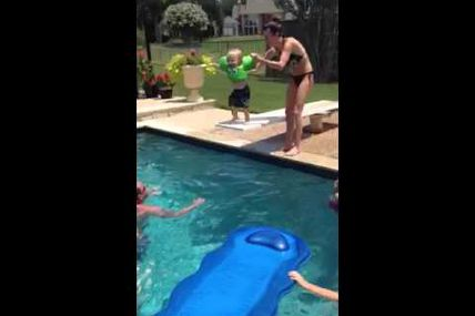 Jumpin Jax Flash http://t.co/IzqWL9b3Ha via...