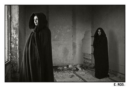 Les femmes en cape : duo mystérieux - n° 2280