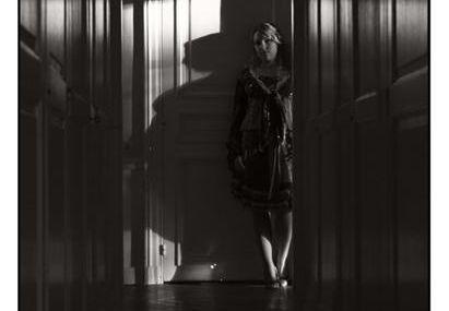 Nouveau modèle / Sophie : Au bout du couloir - n°8597