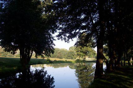Quartier de la Croix-Verte : la base de loisirs du Moulin du Vallon.