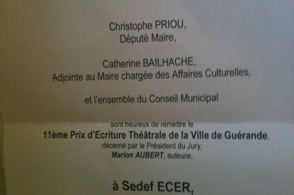"""Co-lauréate du prix d'écriture théâtrale pour """"à la périphérie"""""""