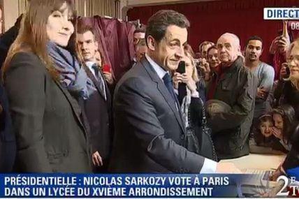 Election Présidentielle : Nicolas Sarkozy a voté avec Carla Bruni