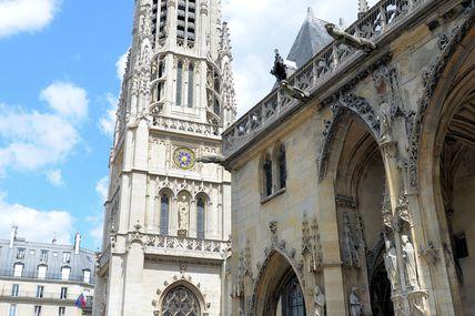 Eglise saint Germain L'Auxerrois face au Grand Louvre à Paris à coté de la Mairie du 1er arrondissement.