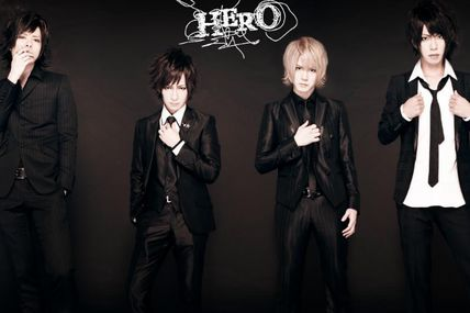 [News] HERO - 20120825 LIVE in SHIBUYA-AX, Cover with New Look