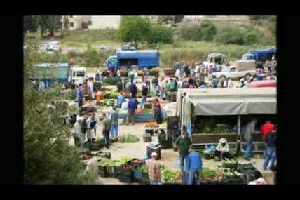 """""""One two three Viva l'Algerie"""" (1, 2, 3 Viva l'Algérie) Vidéo clip d'OULAHLOU"""
