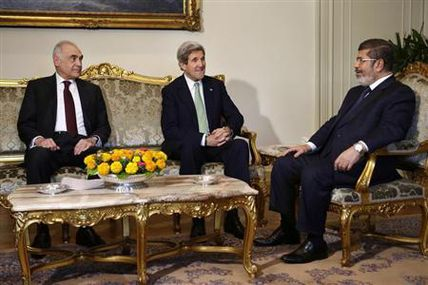 U.S. quietly allows military aid to Egypt despite rights concerns