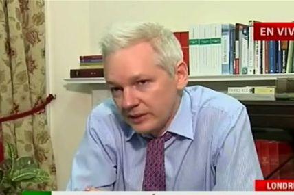 Ecuador lleva el caso de Assange al opositor...