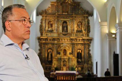 El sacerdote Numa Molina cree que a Chávez...
