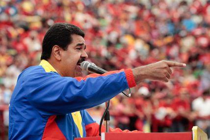 """Maduro: """"el burguesito quiere comenzar su campaña..."""