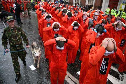 Exguardia de Guantánamo pide liberación de...