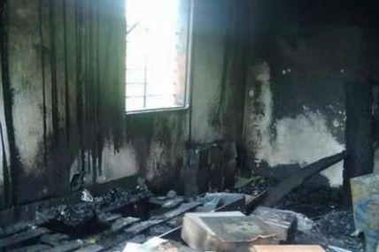 Grupos fascistas incendiaron tres viviendas de la...