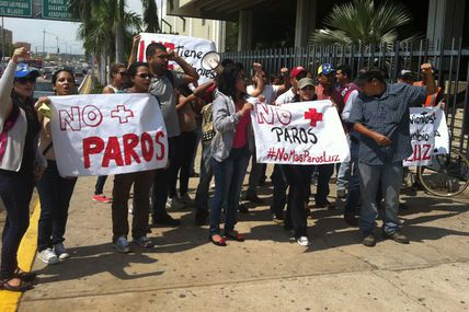 (VIDEO) Estudiantes de LUZ protestan para exigir...