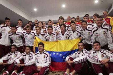 Condecorada por el presidente Maduro la selección...