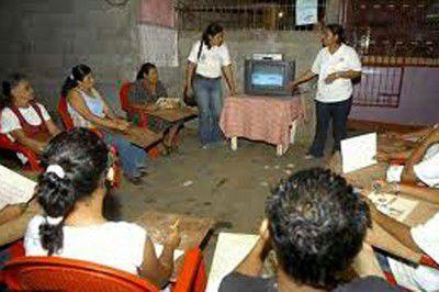 Casi 217 mil angoleños alfabetizados con método...