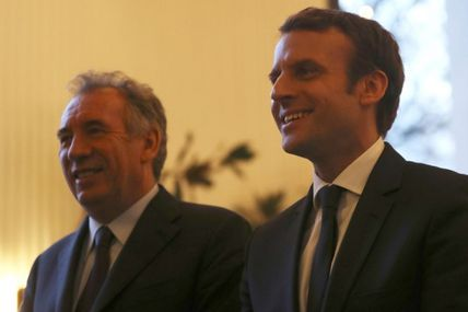 Présidentielle: comment Bayrou devient le conseiller star d'Emmanuel Macron