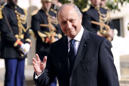Laurent Fabius s'immisce dans la matinale d'Europe 1