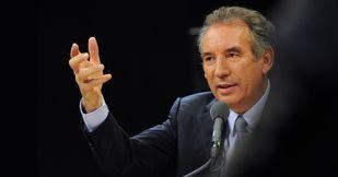 """""""Si nous étions responsables, nous éviterions la sortie de la Grèce de la zone euro"""""""