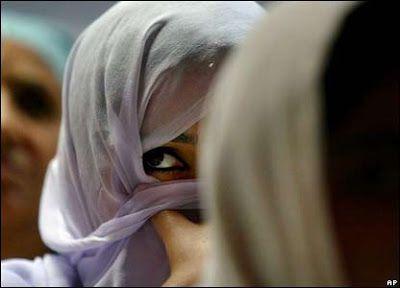 Le syndrome de l'hypocrisie sexuelle musulmane : Faux hymen et hyménoplastie