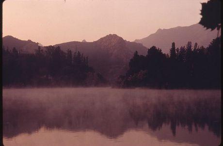 ...Respirer à l'aube une heureuse solitude...