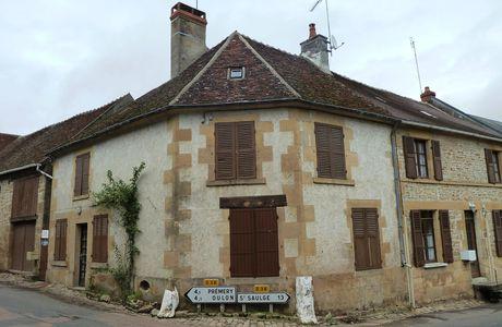 Lurcy le Bourg, Nièvre, Bourgogne