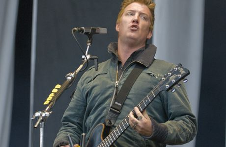 God saves the Queens of the Stone Age
