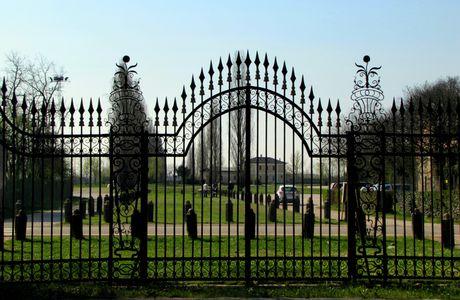 Il cancello di Villa Emo
