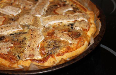 Tarte camembert, champignons, noisettes