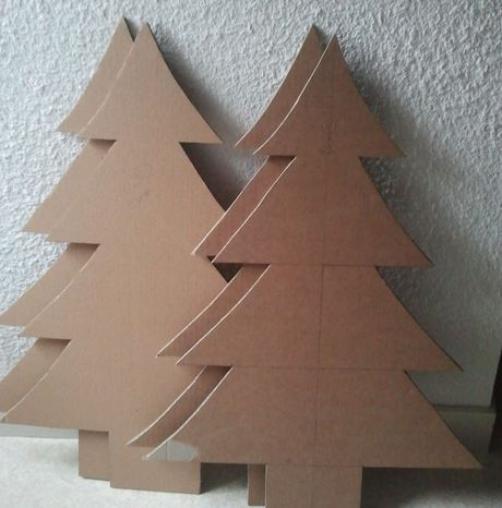 Sapin de no l en carton bien s r magcart 39 one for Fabrication decoration de noel
