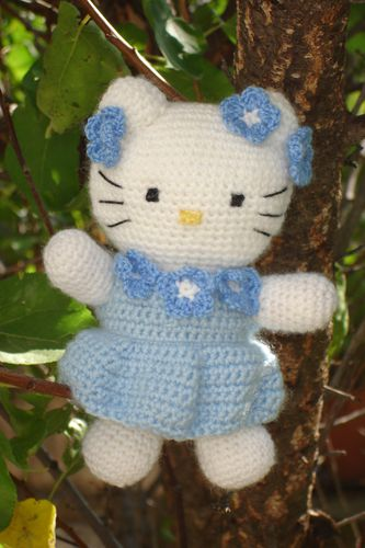 Tuto Hello kitty au crochet 1/2 - YouTube | 500x333