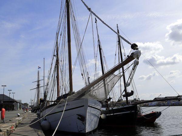 Visite de Saint-Malo et retour à Cancale (navires de pêche)