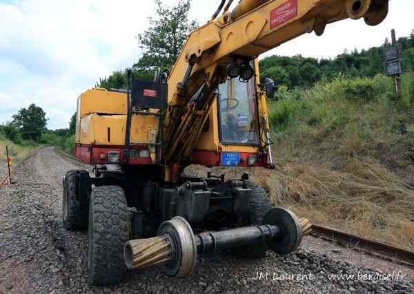 Pose de la nouvelle voie ferrée autour du Rouget 10 juillet 2012 et jours suivants.