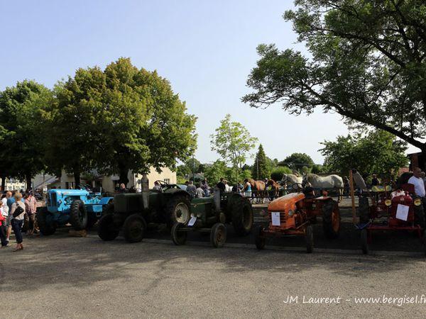 Fête du monde rural à Pleaux 02.08.2013. En grande partie Col Gilbert Lemoine.