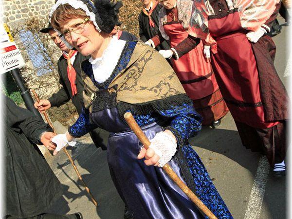 Tersons Aubrac 2012 - Journée du 25 mars 2012 - La vente aux enchères, le défilé, les confréries, les animations.