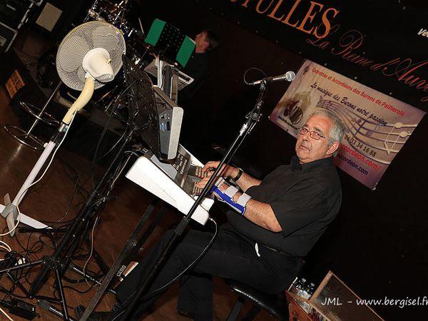 Concert 1er mai 2013 Sylvie Pullès avec les Burons de Pailherols, cabrettes et accordéons
