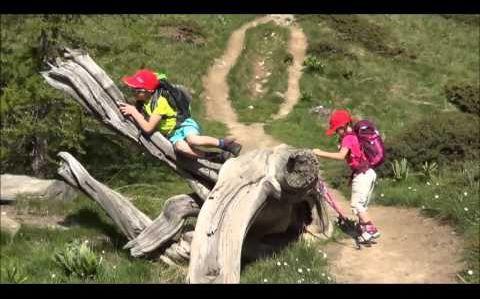 Tess 6 ans et demi et Nathan 9 ans : Randonnée n°1 : Lac Sainte Anne / Lac miroir 31 mai 2015