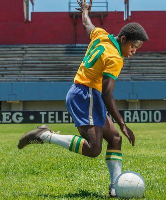 """Sortie Blu-ray, DVD, VOD de """"Pelé, naissance d'une légende"""" #concours"""