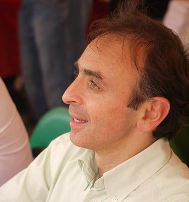 LA VIDEO OU ZEMMOUR S'EXPLIQUE SUR L'AFFAIRE TAUBIRA