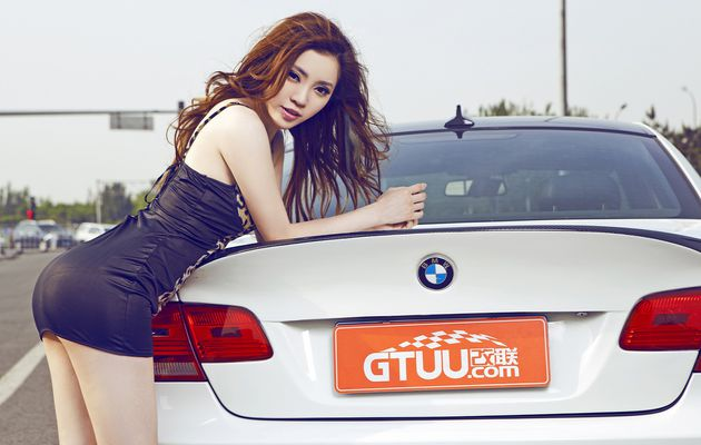 Cars & Girls: Sexy Chinese Redhead with