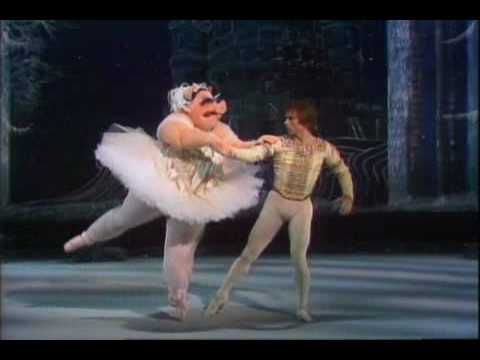 RUDOLPH NUREYEV  at  Muppet Show  sa belle et charmante ballerine.