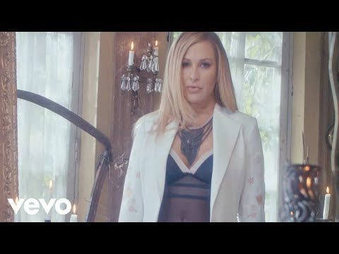 ECOUTEZ LE NOUVEAU ANASTACIA Caught In The Middle