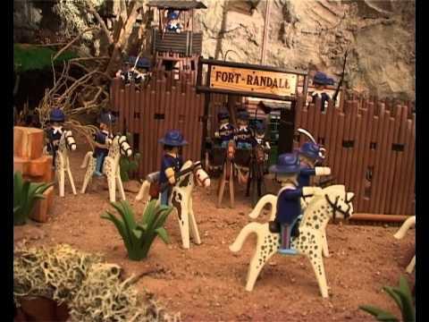 """Profitez de ces vacances pour faire le tour du lac de Ste Croix et dans le beau village de Bauduen, visiter avec vos enfants """"L'art en jouet""""."""