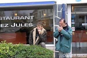 Fumer dans les bars : le début de la délation
