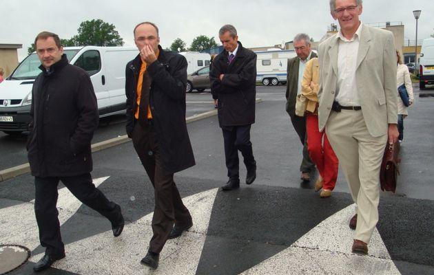 Le Préfet visite les terrains de stationnement des Gens du Voyage