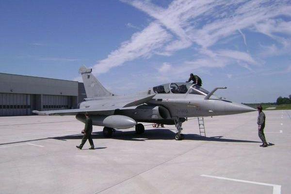 Réduction des forces aériennes de combat de 25 %