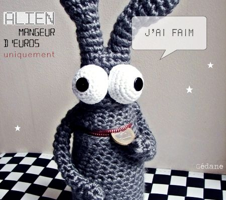 Tirelire Alien en crochet