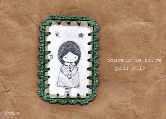 fillette au crayon et crochet