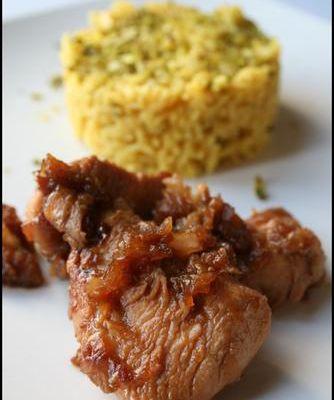 Poulet au miel et au soja accompagné de son riz basmati à la pistache